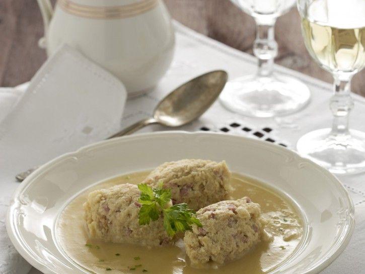 Knodel bianchi su crema di patate