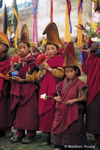 kinder buddhist singles It has a rich cultural heritage and the first known buddhist writings of sri lanka, the pāli canon, date back to the fourth buddhist council in 29 bc.