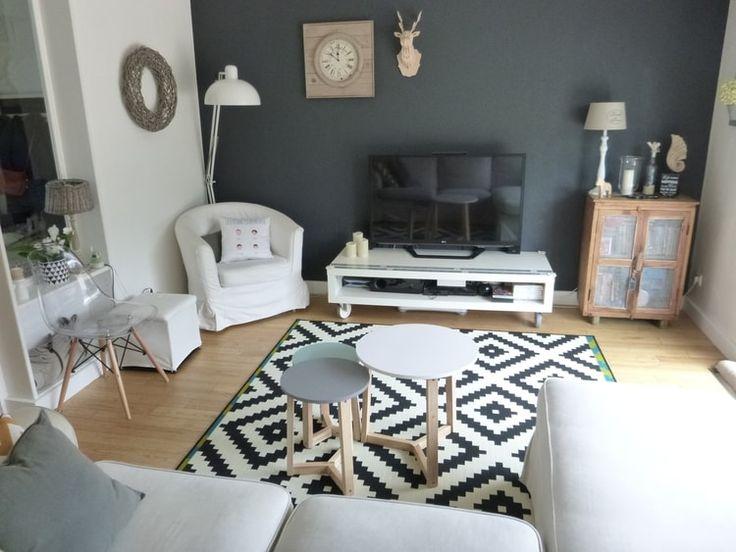 Belle #déco #scandinave pour le #salon !  http://www.m-habitat.fr/par-pieces/salon-et-salle-a-manger/un-salon-a-la-deco-d-inspiration-scandinave-2638_A