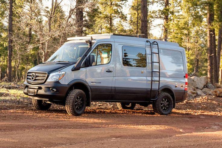 US-Wohnmobilbauer SPORTSMOBILE baut den Mercedes-Benz Sprinter zum 4×4 Wohnmobil um