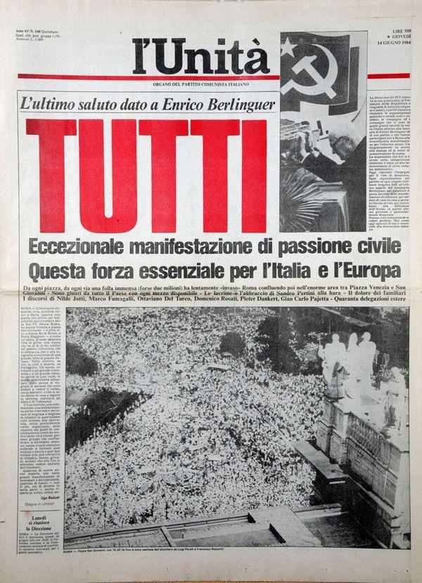 tutti è l'enorme titolo rosso che l'Unità dedica ai funerali in piazza San Giovanni; parla di una folla immensa, forse due milioni.