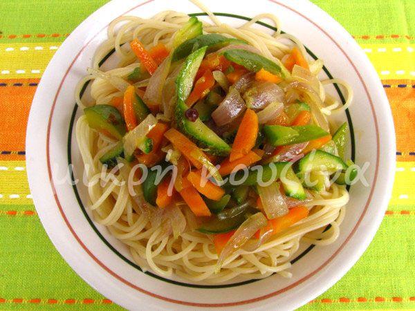 μικρή κουζίνα: Ζυμαρικά με λαχανικά εποχής