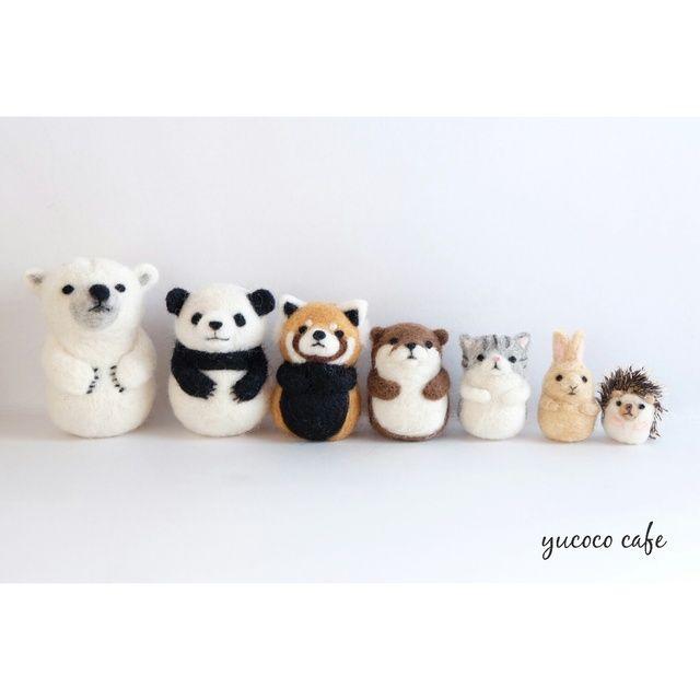 羊毛フェルトで作成した動物のマトリョーシカです。しろくま、パンダ、レッサーパンダ、カワウソ、猫、うさぎ、ハリネズミの7体がセットになります。
