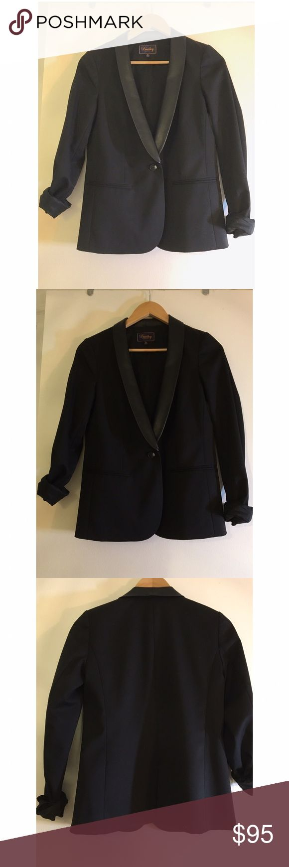 Madewell Buckley Tailors Blazer with Leather Trim Like New. Madewell blazer leather. Size 2. Sleek, flattering lines. Buttery soft leather collar accents a brilliant pairing with leather leggings / Jeans / slacks for an edgy look. True to size. Viscose/nylon with a hint of stretch, leather. Dry Clean. Import. Madewell Jackets & Coats