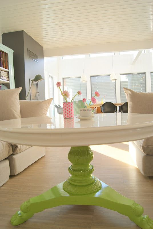 I have an older oak table that I'd like to repaint...Love the color choices on this one. So fresh and clean!