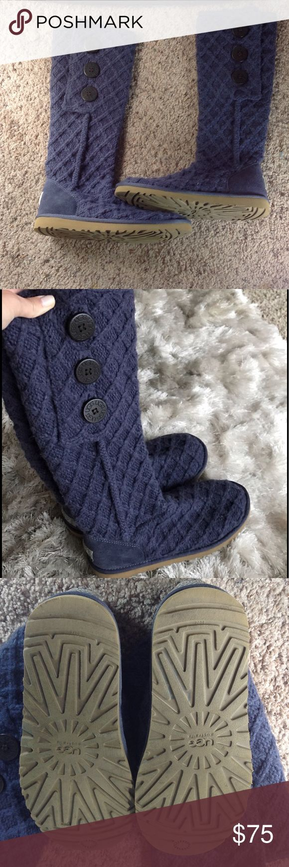 NAVY UGGS HARDLY WORN SO IN EXCELLENT SHAPE NAVY BLUE UGGS NO STAINS ARE TEARS SOLE IS IN EXCELLENT SHAPE TO YOU CAN WEAR THESE HIGH LIKE BOOTS ARE FOLD TO HAVE LITTLE BOOTIES SZ 8 UGGS Shoes