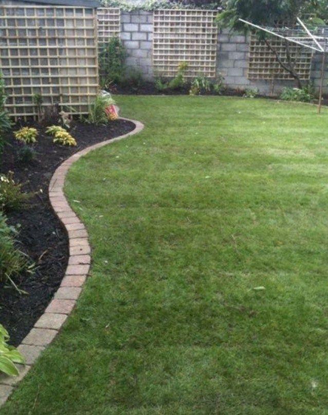 20 Lawn Edging Ideas For A Heaven Backyard Lawn And Landscape Backyard Landscaping Lawn Borders