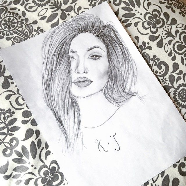 Here's a better pic of my @kyliejenner drawingg lmao