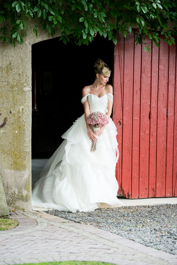 Beautiful photo of the Carriage House @ Cambium Farms featured in Weddingstar Magazine.  Creative Production & Styling: Prelude to a Kiss Wedding Stylists & PK Social Events Photography: MugshotsPhotography.ca Dress: Ines Di Santo Makeup: Heather Snowie - Makeup Artist Hair: Sylvie Prud'homme from The Loft - Toronto