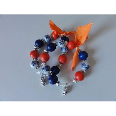 armbanden in rood-wit-blauw en vrolijk oranje lint!