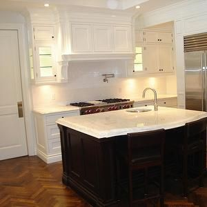 Best 34 Best Dark Island White Cabinets Images On Pinterest 400 x 300