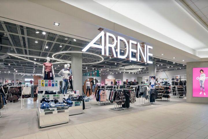 Ardene's Game-Changing Store by Dalziel&Pow, Saint-Jérôme – Quebec
