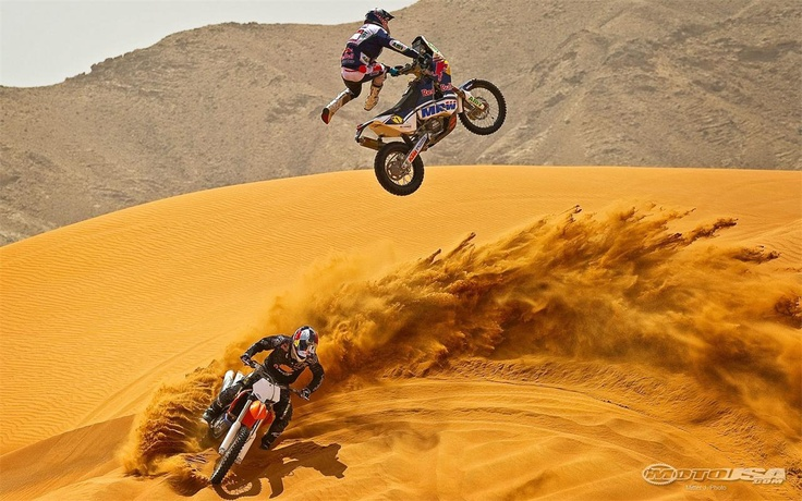 Marc Coma skying his Dakar bike...: Extreme Sports, Marc Coma, The Office, Cars, Motorcycles Mad, Ktm Motorbikes, Sports Motorcycles, Abu Dhabi, Dirt Bike
