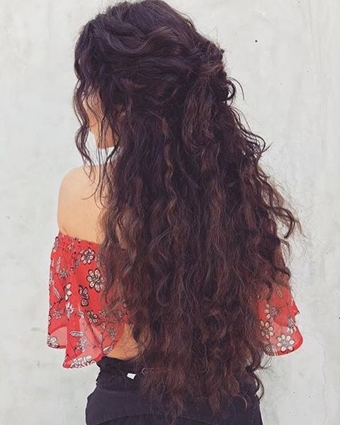 up hair styles the 25 best layered curly hair ideas on 5920