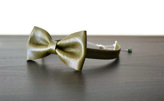 Green leather bow tie for women / Olive green bowtie / Leather bow tie for women…