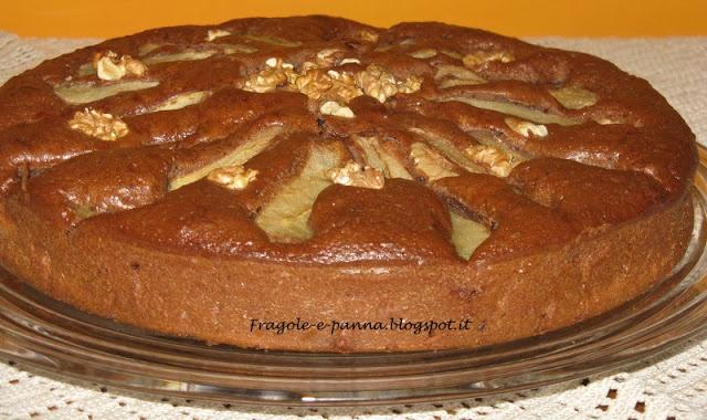 Fragole e panna: Torta al cioccolato,pere e noci
