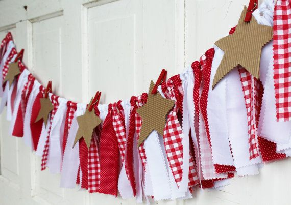 Garlands are a wonderful way to display family photos, pictures, notes, drawings or anything else you can think of! Just use clothes pins to attach