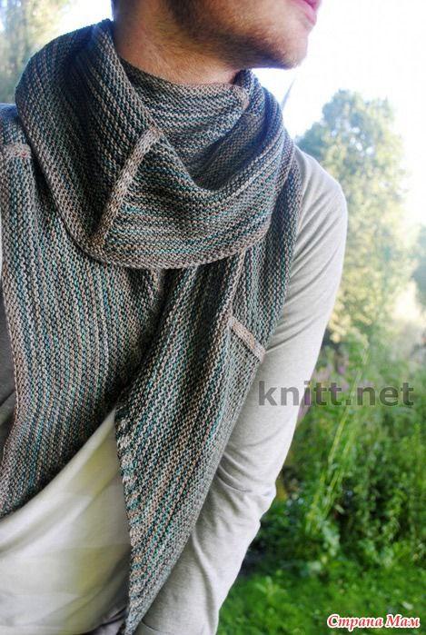 Яркий мужской шарф связан простым незатейливым узором. Прекрасный аксессуар будет сопровождать вас и на работе, и на прогулке. РАЗМЕР: