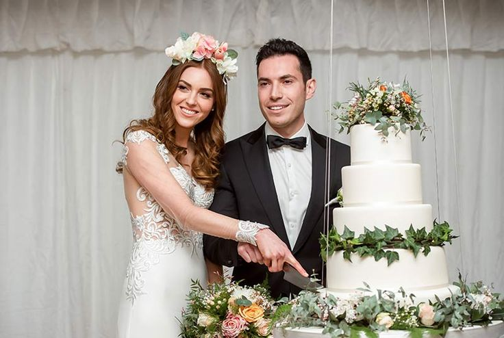 A marquee in Adelaide's Botanic Gardens was the perfect setting for this glam celebration.