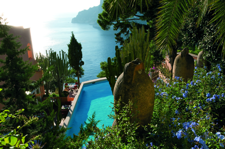 Piscina grande e giardino Hotel Punta Tragara Capri