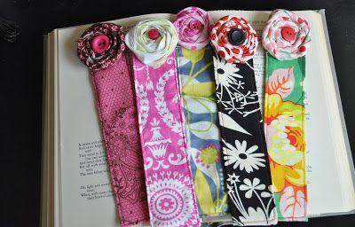 fabric flowers tutoral bookmarks
