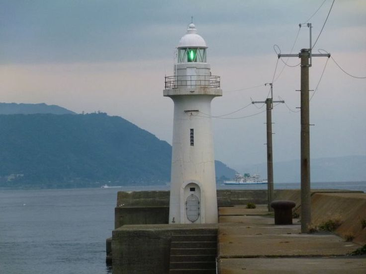 鹿児島港新港南防波堤灯台