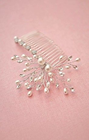 A stunning handcrafted sparkling piece with floral sprays of rhinestones and pearl droplets delicately entwined upon a steel comb. $59.95 including gift box and FREE shipping in Australia.