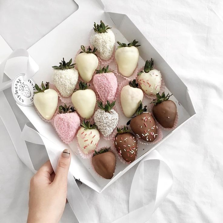Клубника, розовый, коробка, фрукт, еда, десерт, шоколад, клубника в шоколаде, конфета