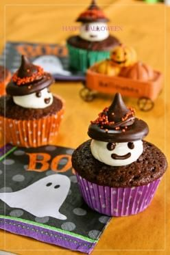 「【ハロウィン】おばけ魔女のカップケーキ」peachmai | お菓子・パンのレシピや作り方【corecle*コレクル】