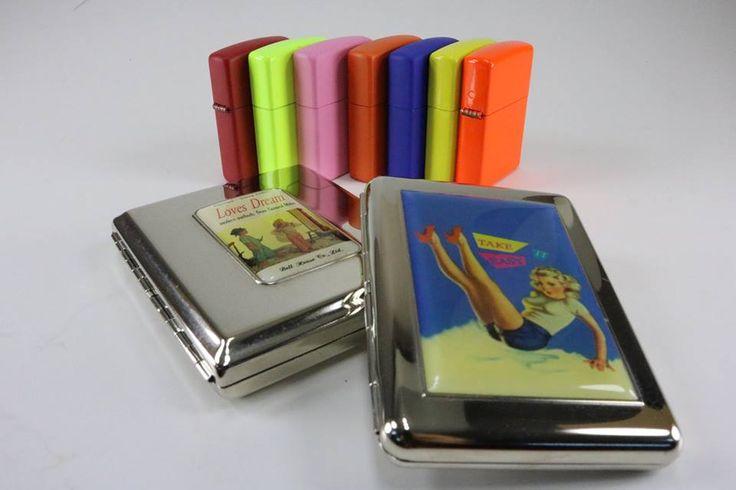 Bırakın rengarenk #Zippo çakmaklar renkli kişiliğinizi özgürce ortaya koysun! Neon çakmakların dış kasasında elektrostatik #neon boyalar; #matte çakmakların dış kasasında elektrostatik mat boyalar kullanılmıştır.