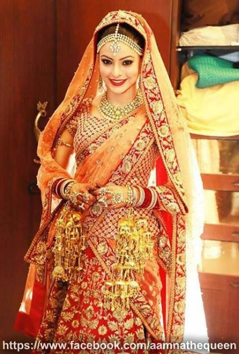 Aamna Sharif Wedding Pictures : Manish Malhotra and Sabyasachi lehengas
