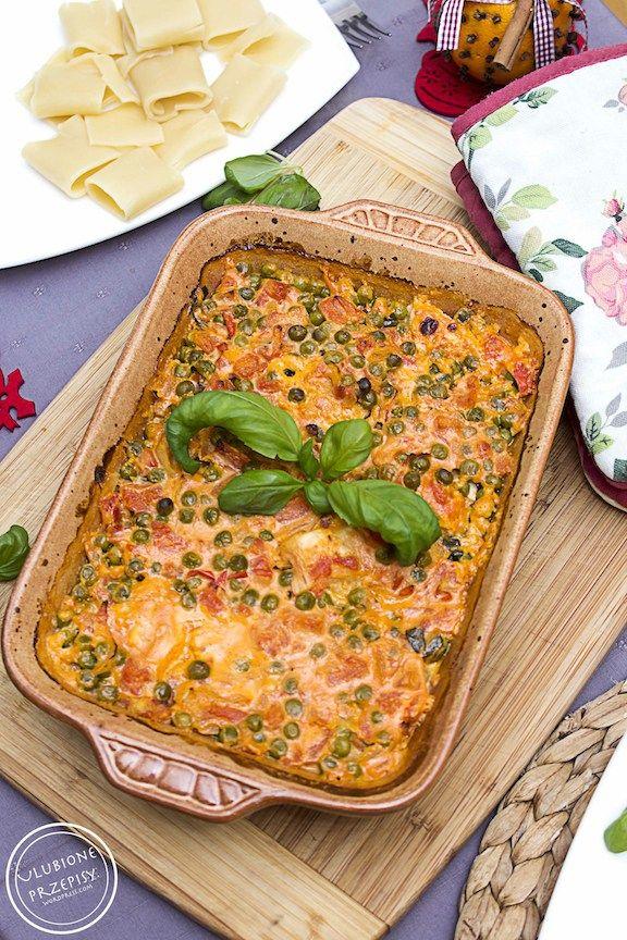 Pierś z kurczaka zapiekana z mascarpone, pomidorami i zielonym groszkiem