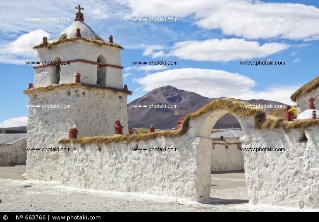 iglesia-de-parinacota-chile