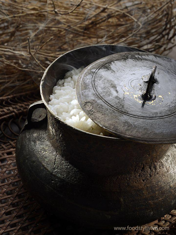 cottura il riso con pentola di rame, adesso solo alcune famigle nella campagna si usarla http://viaggi.asiatica.com/