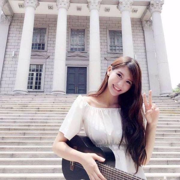 Clip: Hot girl Malaysia khiến fan ngã gục với bài hát tiếng Việt ngọt lịm tim - Ảnh 6.