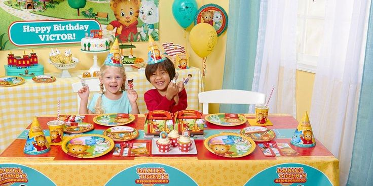 Default Image - Daniel Tiger's Neighborhood Party in a Box For 8