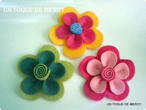 UN TOQUE DE MERCY: FLORES DE FIELTRO.. MOLDES [PATRONES]