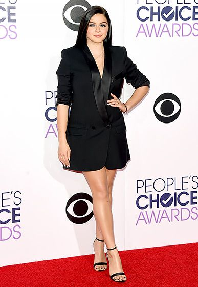Ariel Winter The Modern Family actress put her toned legs on display in a sexy LBD by Smythe and Aldo sandals.