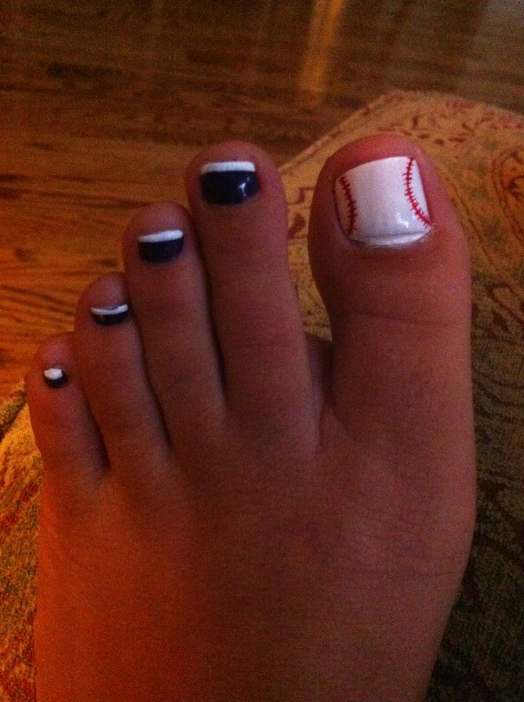 17 beste ideen over baseball toes op pinterest honkbal nagel baseball pedicure i need this with navy instead of black next year vacation for sure prinsesfo Images
