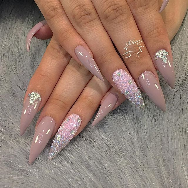 Who can rock these nail?