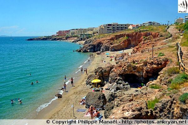La crique de l'Anau est une plage proche de Sète s'ouvrant sur la Méditerranée (France / Languedoc-Roussillon-Midi-Pyrénées / Hérault)