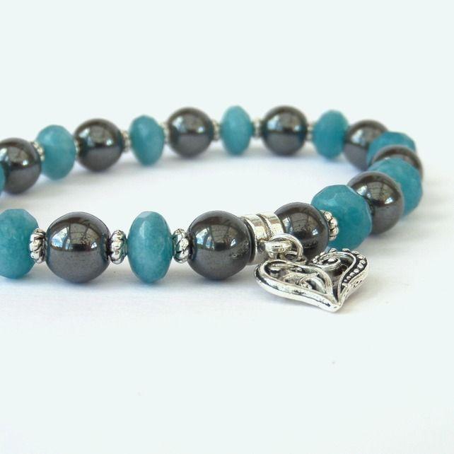 Hematite & aquamarine heart charm stretchy bracelet £8.00