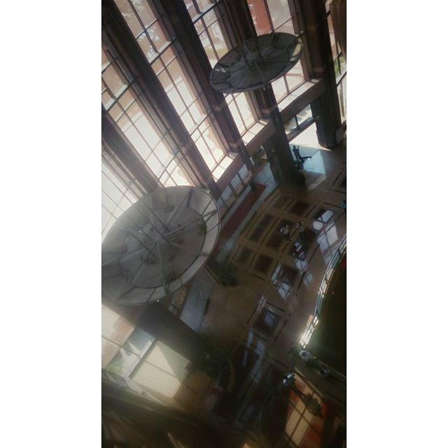 WEBSTA @ jakaanindita - Lobby, from above #architecture #love #sinarmaslandplaza #jakartabanget #tagsforlikes #skyscrapper #hanginglamp #structure