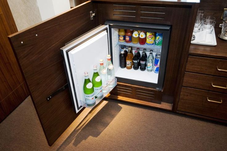Portable Mini Bar Furniture Designs Ideas - http://lant.bullpenbrian.com/portable-mini-bar-furniture-designs-ideas/ : #HomeBars, #HomeMiniBars Mini bar is small piece but can significantly help to make more interesting design and function in your home. Portable ones are awesome furniture with some qualified features. There are ones for sale that you can purchase or use them as references when about to build one. Mini bars are available...