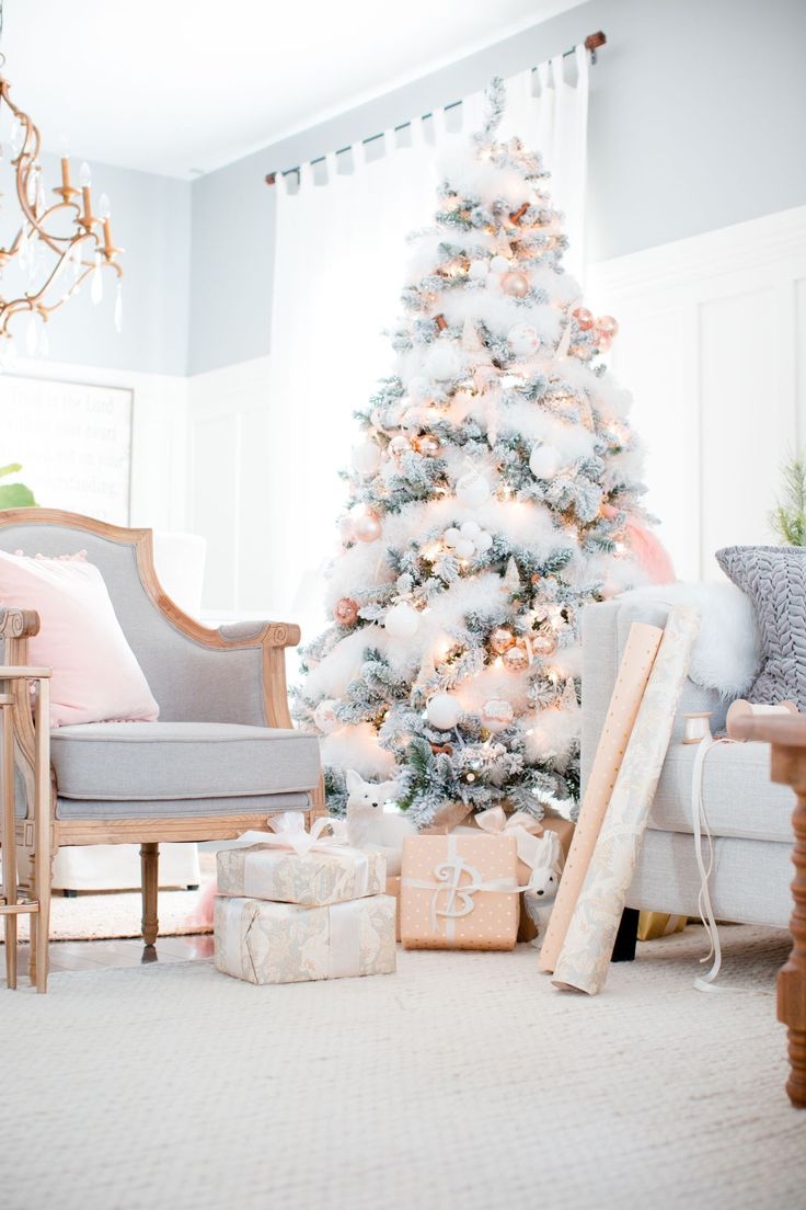 Blush, gold and white Christmas tree