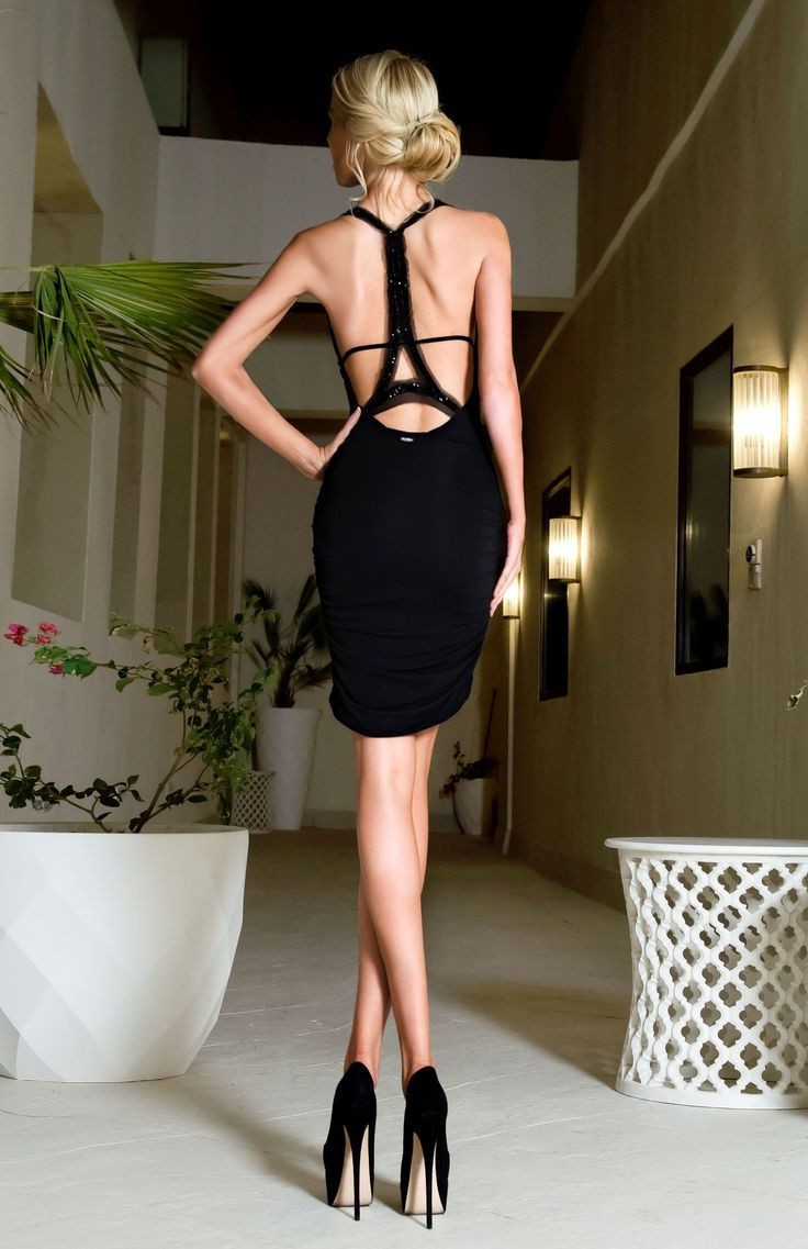 LBD with a spectacular design showing the Eiffel Tower adorns the back.