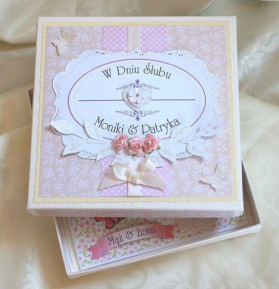Skoro jest kartka, to musi być i pudełko :)