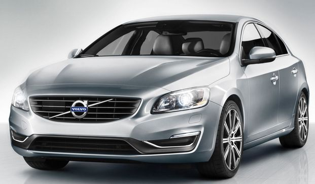 2015 Volvo s60 T5 Release Date Price Review - Volvo is amidst an item unrest, keeping in mind the spotlight for the minute has been snatched by the all-new Xc90 SUV and the presentation of the V60 Cross Country, Volvo additionally rolled out a couple of urgent improvements to the 2015 Volvo s60 T5  and V60 autos while nobody was looking.