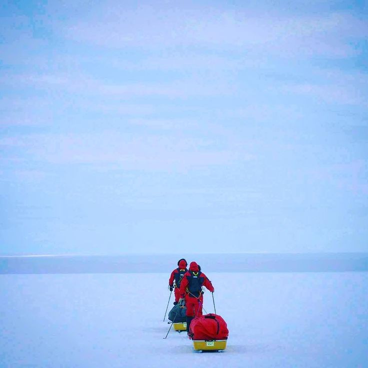 Onwards into the upward slope... . . . We will be climbing uphill another 1500 meters as we rise to reach the Polar Plateau. . . . #southpole #Antarctica #renewableenergy #renewableresources #greenenergy #sustainability #climate #climatescience #climatechange #climateaction #ClimateForce #SPEC #Southpoleenergychallenge #makethefuture