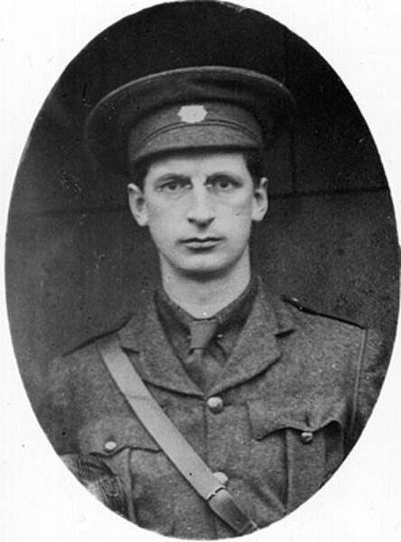 Éamon de Valera in uniform before Easter Rising 1916, which led to Irish independence . . . The devout de Valera became prime minister and president of Ireland for 34 years and framed the Irish constitution rooting political authority in the Holy Trinity, banning divorce and empowering the Church. More about all this here ...  http://corjesusacratissimum.org/2015/09/christian-politics-and-catholic-ireland/
